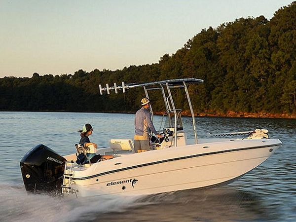 New Bayliner T-18 Center Console Fishing Boat For Sale