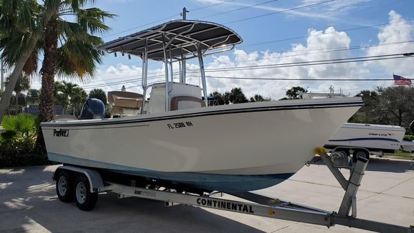 Used Parker 21 Special Edition Center Console Fishing Boat For Sale