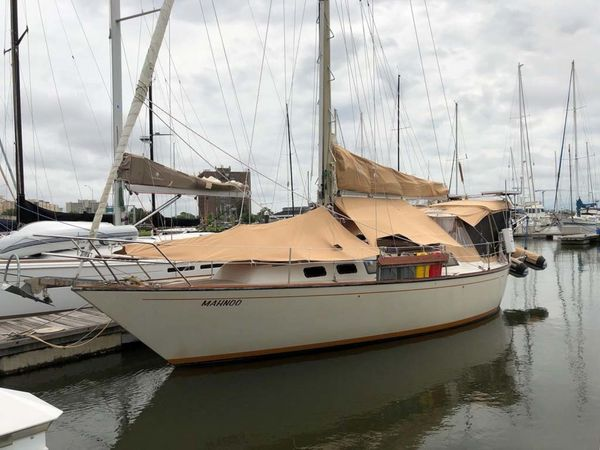 Used S2 Tiara 11A Sloop Sailboat For Sale