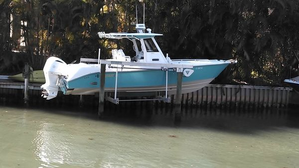 Used Everglades 290 CC Center Console Fishing Boat For Sale