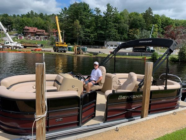 Used Berkshire 22RFX CTS Pontoon Boat For Sale