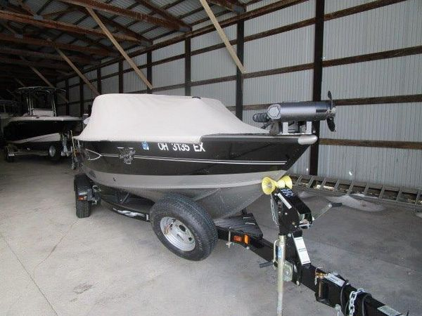 Used Lund 1875 PRO V IPS-2 Freshwater Fishing Boat For Sale