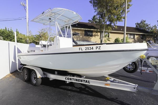 Used Dusky 217 CC Center Console Fishing Boat For Sale