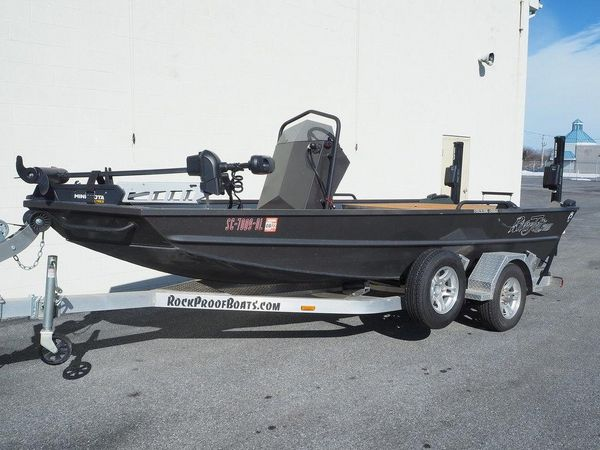 Used Rock Proof River Jett Freshwater Fishing Boat For Sale