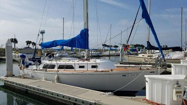 Used Islander Sloop 30 Racer and Cruiser Sailboat For Sale