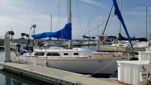 Used Islander Sloop 30 Racer and Cruiser Sailboat For Sale