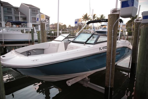 Used Sea Ray SPX 230 Bowrider Boat For Sale