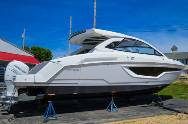 New Cruisers Yachts 42GLS TRIPLE OB Bowrider Boat For Sale