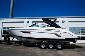 New Cruisers Yachts 338 Bowrider Boat For Sale
