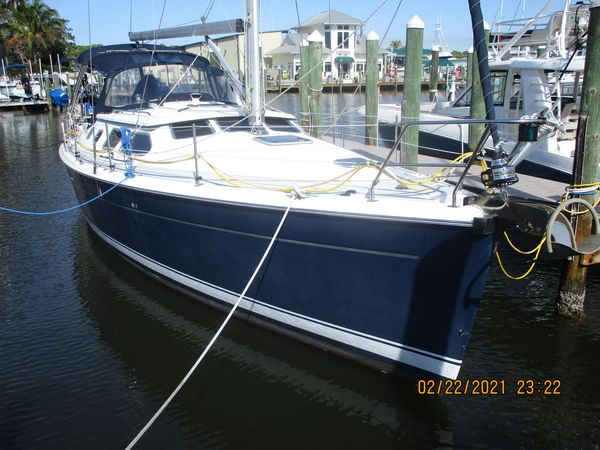 Used Hunter 41DS Sloop Sailboat For Sale