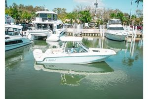 Used Boston Whaler 230 DC Sports Fishing Boat For Sale
