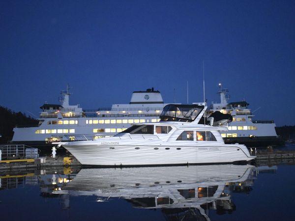 Used Navigator 5800 Motor Yacht For Sale