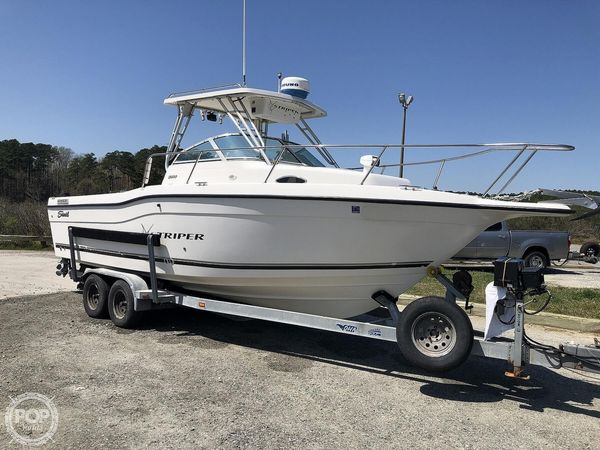 Used Seaswirl 2600 Striper Walkaround Fishing Boat For Sale