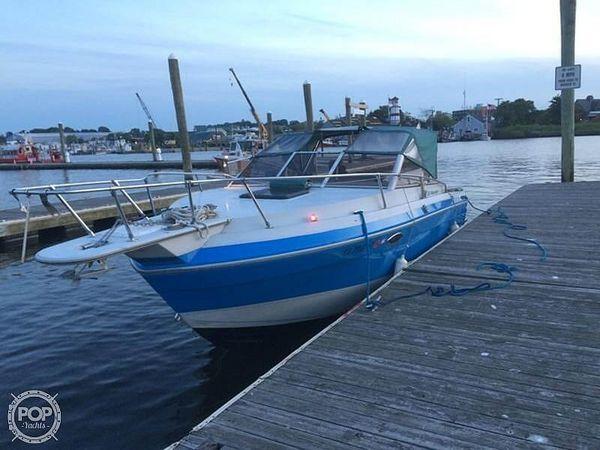 Used Sun Runner 235 Weekender Express Cruiser Boat For Sale