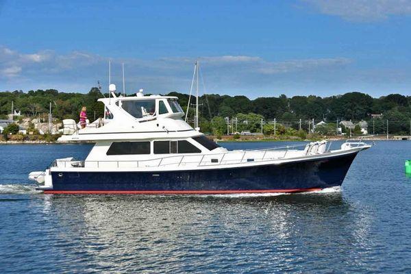 Used Hampton 560 Sedan Bridge Trawler Boat For Sale