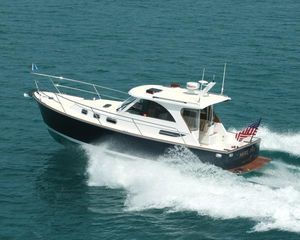 Used Legacy Hardtop Express 32 Motor Yacht For Sale