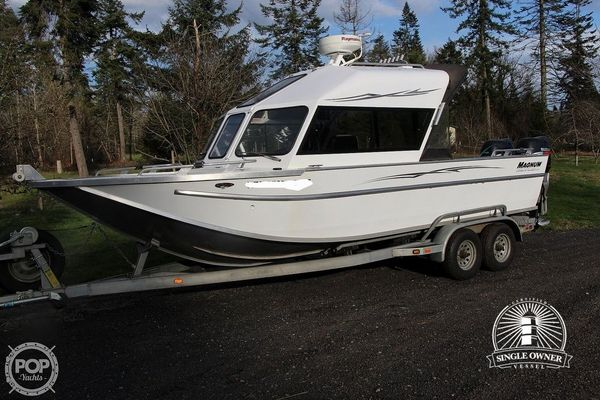 Used Magnum Marine Ultramag 26 Aluminum Fishing Boat For Sale