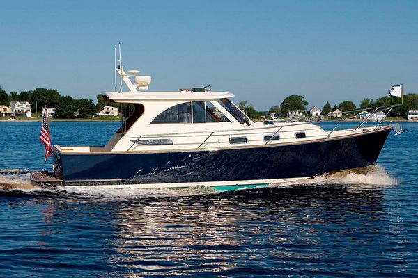New Legacy 32 Cruiser Boat For Sale