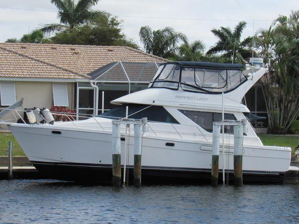 Used Bayliner 3988 Motor Yacht House Boat For Sale