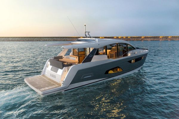 New Sealine C530 Motor Yacht For Sale