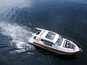 New Sealine C390 Motor Yacht For Sale
