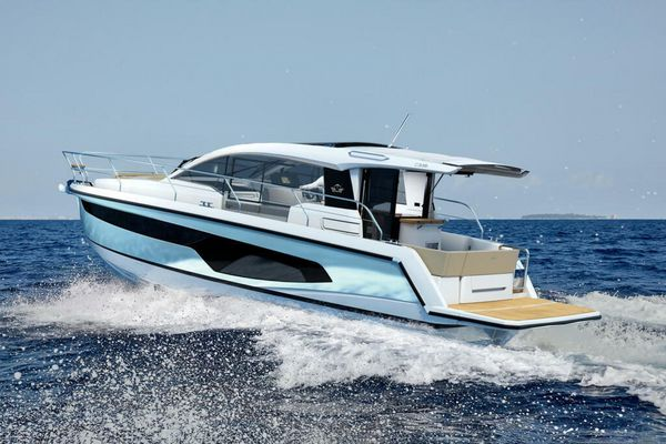 New Sealine C335 Motor Yacht For Sale