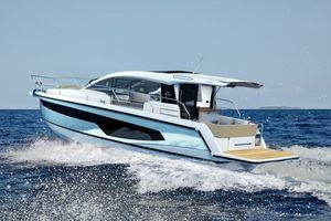 New Sealine C335 Motor Yacht For Sale
