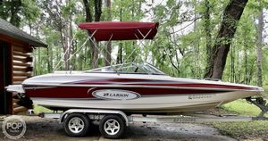 Used Larson 204 Escape Deck Boat For Sale