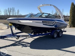 Used Regal 2000 ESX Ski and Wakeboard Boat For Sale