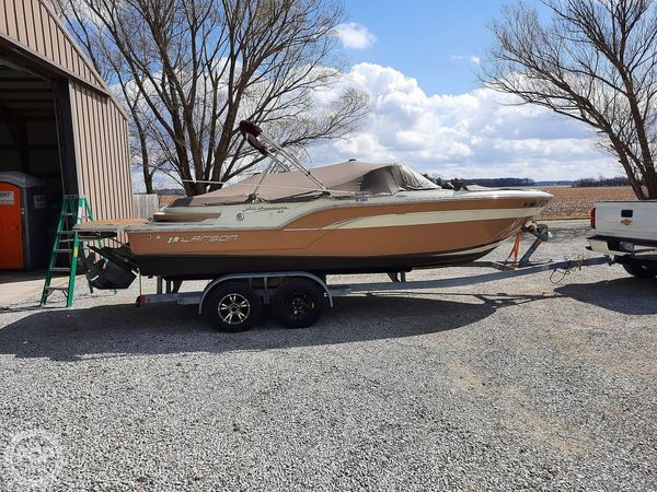Used Larson All American 23 Bowrider Boat For Sale