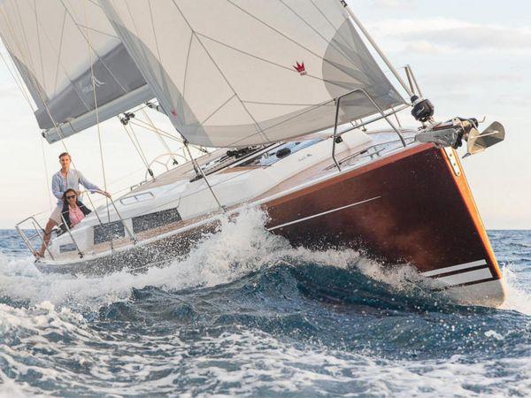 New Hanse 388 #208 Cruiser Sailboat For Sale