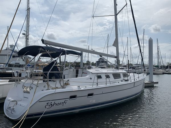 Used Hunter 44 Deck Salon Cruiser Sailboat For Sale