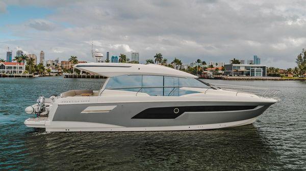 Used Prestige 520S Express Cruiser Boat For Sale