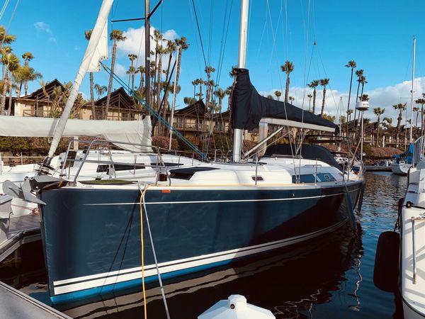 Used Hanse 400 Cruiser Sailboat For Sale