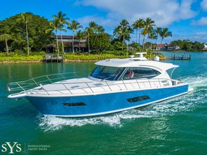 Used Riviera 515 SUV Express Cruiser Boat For Sale