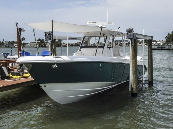 Used Everglades 355CC Center Console Fishing Boat For Sale