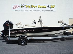Used Xpress Hyper-Lift® Bay H20B Freshwater Fishing Boat For Sale
