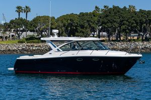 Used Tiara Yachts 31 Power Cruiser Boat For Sale