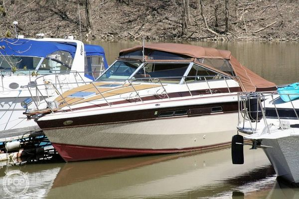 Used Chris-Craft 332 Express Cruiser Boat For Sale