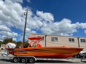 Used Avanti Cat Express Cruiser Boat For Sale