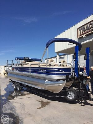 Used Sun Tracker Fishin' Barge 24 XP3 Pontoon Boat For Sale