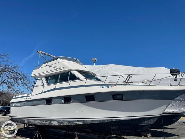 Used Cruisers Yachts 32 Express Cruiser Boat For Sale