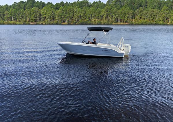 New Stingray 172SC Express Cruiser Boat For Sale