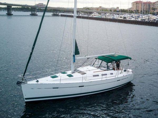 Used Beneteau 373 Sloop Sailboat For Sale