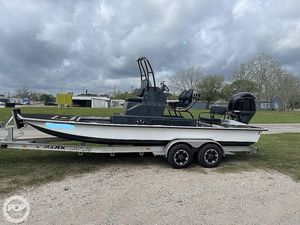 Used Majek Illusion M2 Bay Boat For Sale