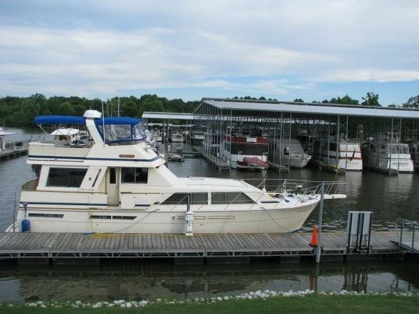 Used Chris-Craft Constellation Flybridge Boat For Sale