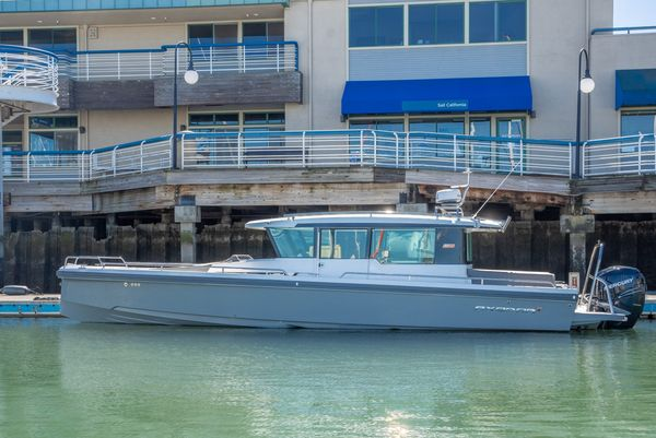 Used Axopar 37 Aft Cabin Walkaround Fishing Boat For Sale