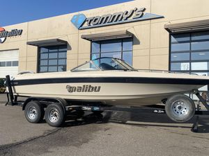 Used Malibu Sunsetter Ski and Wakeboard Boat For Sale