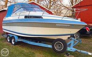 Used Four Winns 235 Vista Express Cruiser Boat For Sale