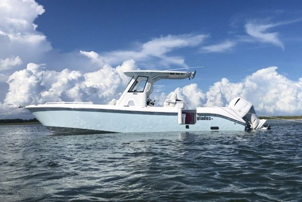Used Everglades 295CC Center Console Fishing Boat For Sale